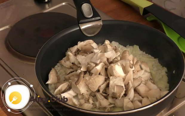 вешенки жареные с картошкой в сметане