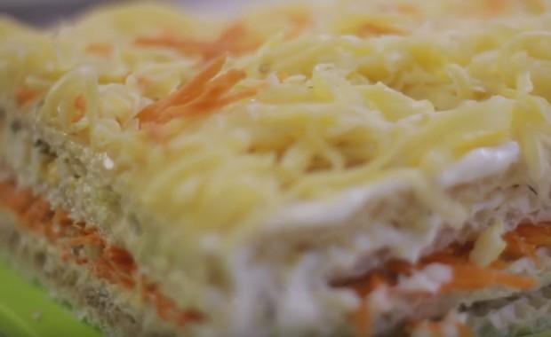 Как приготовить закусочный торт из вафельных коржей по рецепту с фото