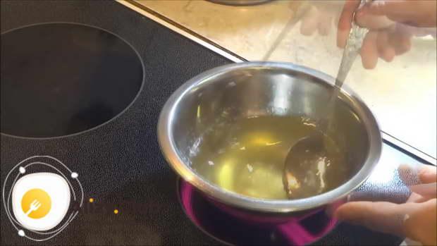 Разбухший желатин ставим на огонь