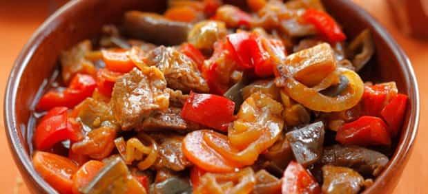 Попробуйте приготовить баклажаны с картошкой по простому рецепту с фото.