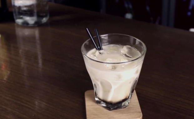 Пошаговый рецепт приготовления коктейля Белый русский с фото