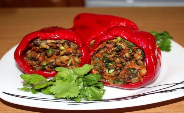Самый лучший рецепт приготовления вкусного фаршированного овощами перца