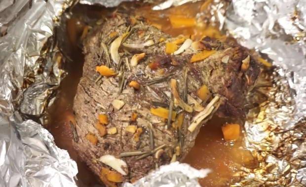 Пошаговый рецепт приготовления говядины в духовке в фольге или рукаве