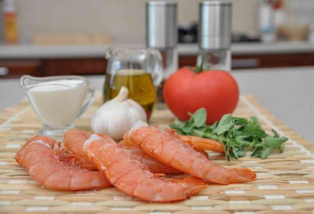 ингредиенты для макаронов с креветками