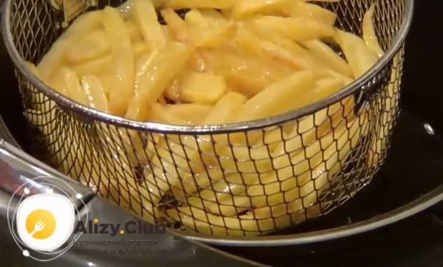 Картошка фри в мультиварке готова.