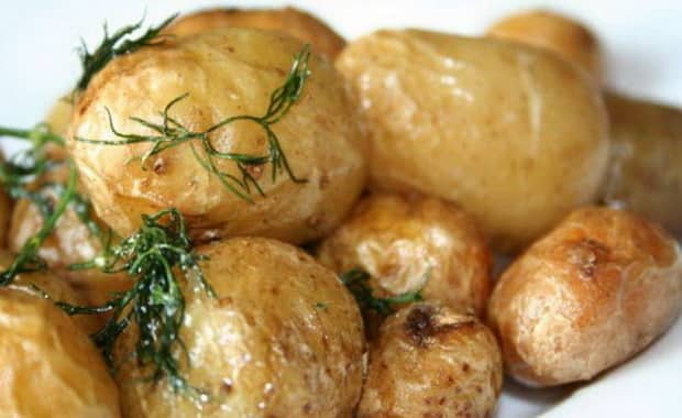 Как приготовить вкусную картошку в микроволновке по рецепту с фото