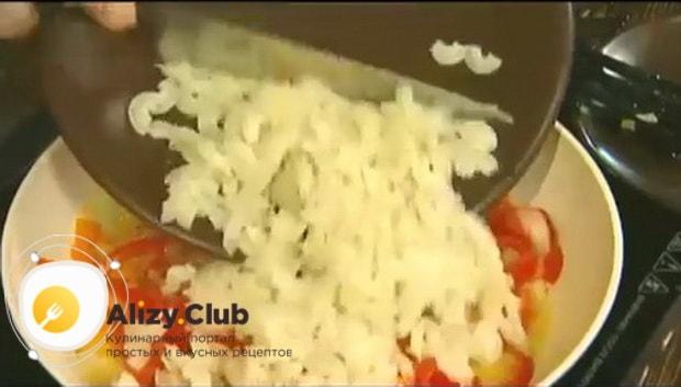 Для приготовления макарон с овощами по итальянски, смешайте ингредиенты