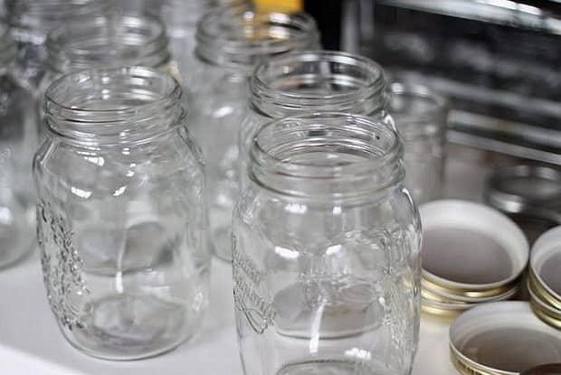 Как готовится морошка в собственном соку с сахаром