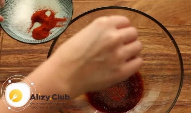 Попробуйте приготовить курицу с ананасами в духовке