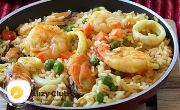 Готовим рис с морепродуктами в мультиварке