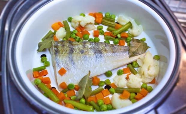 Как приготовить вкусную рыбу в мультиварке по пошаговому рецепту с фото