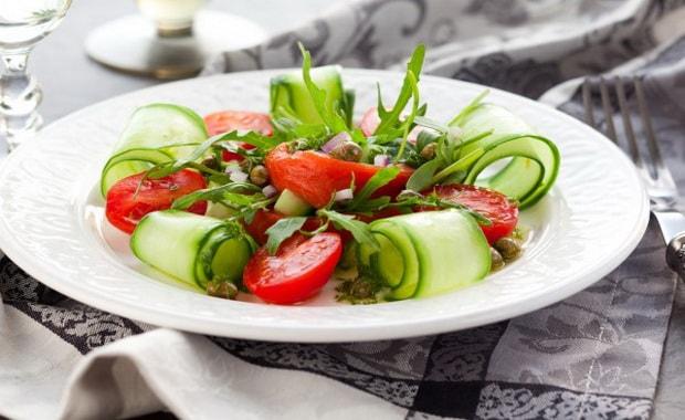 Как приготовить салат из свежих овощей по пошаговому рецепту с фото