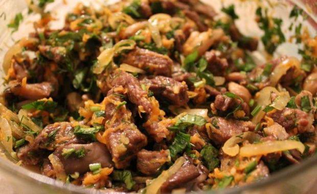 Как приготовить салат с вешенками