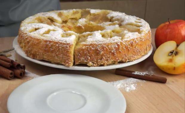 Рецепт приготовления пышной шарлотки с яблоками в духовке