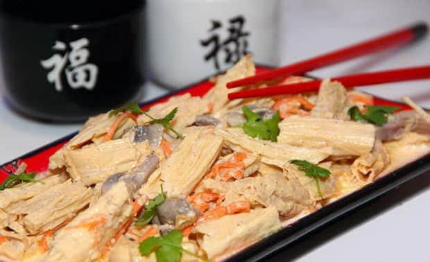 Приготовьте спаржу по-корейски по лучшему рецепту.