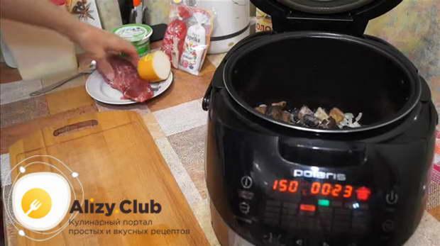 свинина с шампиньонами в сливочном соусе
