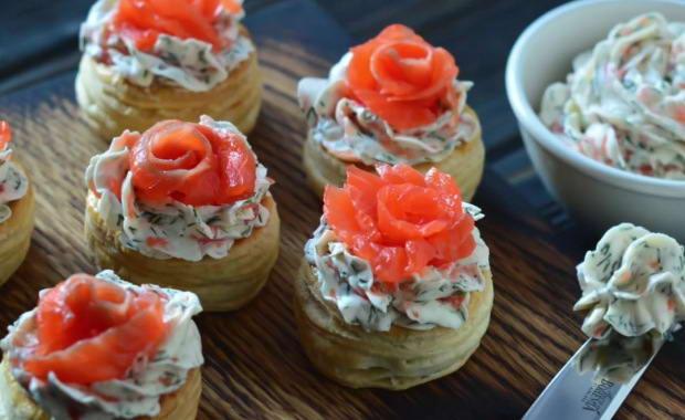 Пошаговый рецепт приготовления тарталеток с красной рыбой с фото