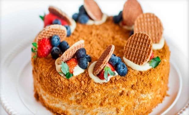Как приготовить медовый торт Рыжик по классическому пошаговому рецепту