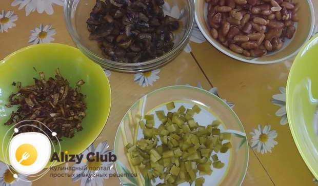 рецепт салата с жареными грибами
