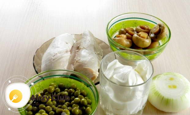 салат с шампиньонами консервированными простой рецепт