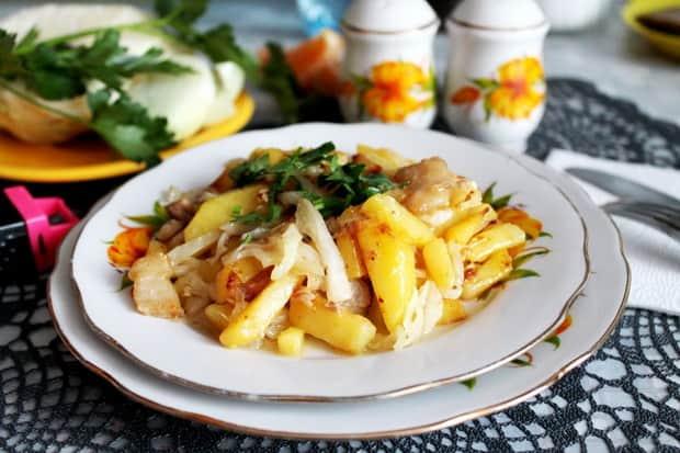 Смотрите лучший рецепт жареной картошки с салом и луком