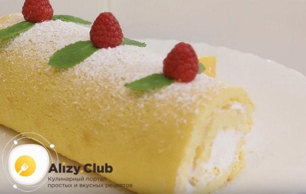 Приготовьте такой красивый и вкусный бисквитный рулет с кремом по нашему рецепту с фото!
