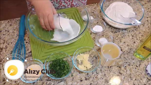 Рецепт блинов с припеком из сыра и зелени