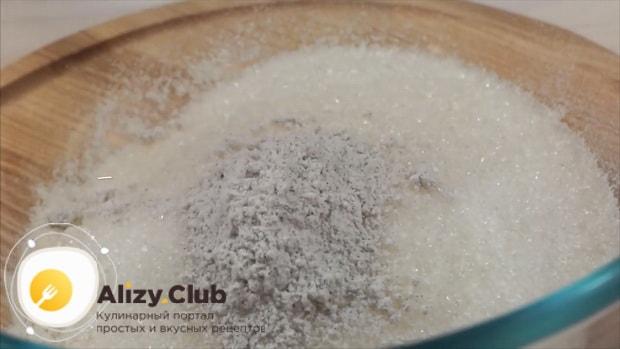 Для приготовления классического чизкейка нью-йорк смешайте сахар с ванилью