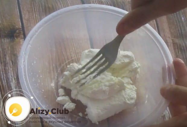 Домашнее диетическое овсяное печенье из геркулеса можно приготовить по рецепту с творогом.