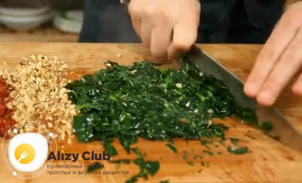 По рецепту для приготовления говяжьего сердца, измельчите ингредиенты