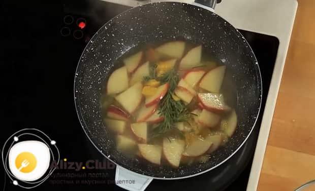 По рецепту для приготовления зубатки в духовке, подготовьте соус