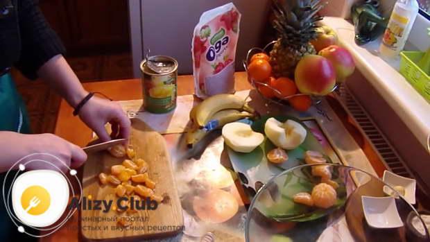 фруктовый салат заправленный йогуртом рецепт
