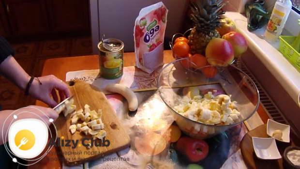 как сделать фруктовый салат с йогуртом рецепт