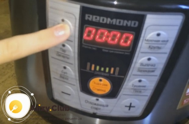 А этот рецепт о том, как готовить гречневую кашу с с тушенкой в мультиварке.