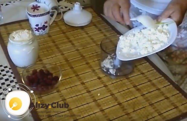 В домашних условиях можно также приготовить йогурт со сметаны и творога.