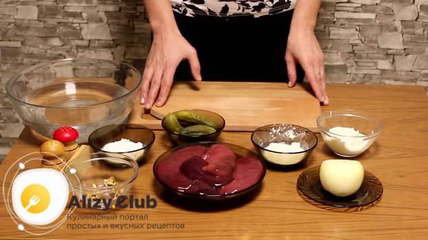 Рецепт приготовления свиных почек в сметане с солеными огурцами на сковороде