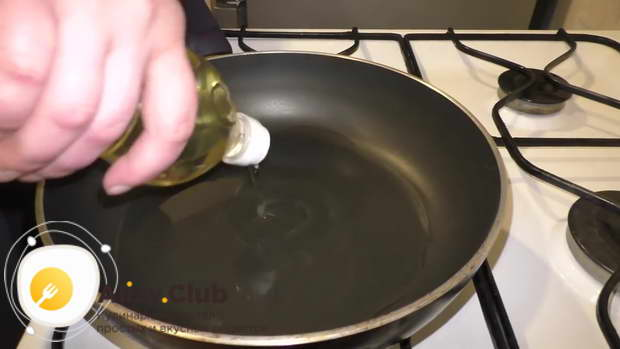 Масло перед обжариванием должно хорошенько разогреться