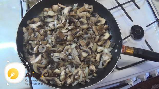 Рулетики из свинины с грибами и сыром