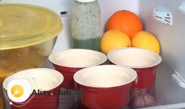 охлаждаем формы для кексов