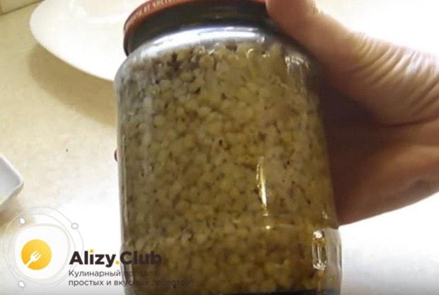 Вот такая консервированная гречка с тушенкой выручит, когда нужен быстрый и сытный ужин.