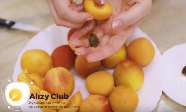 Посмотрите у нас также видео о том, как приготовить королевскую ватрушку по рецепту с абрикосами.