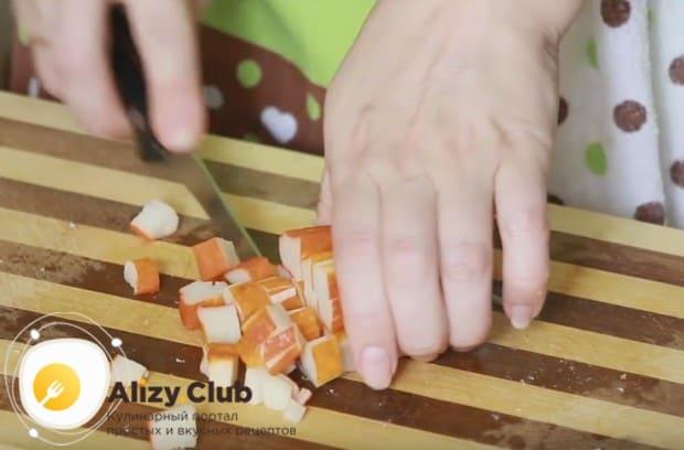 Как видите, рецепт салата с крабовыми палочками и рисом предельно простой.