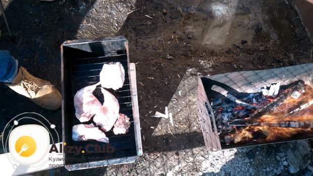 По рецепту, для приготовления маринада для кролика, подготовьте ингредиенты