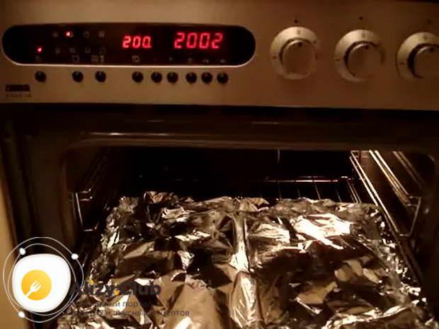 Видеорецепт приготовления пикши в фольге в духовке