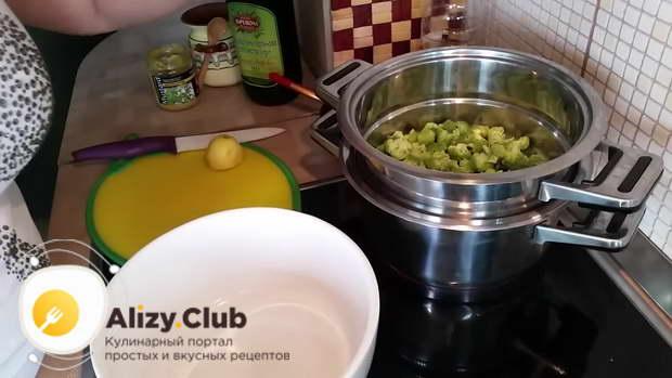 Рецепт болгарского салата с брокколи и курицей
