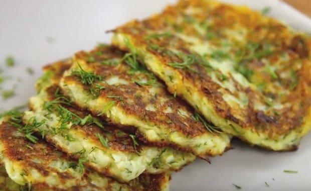 Пошаговый рецепт приготовления оладий из кабачков с фото