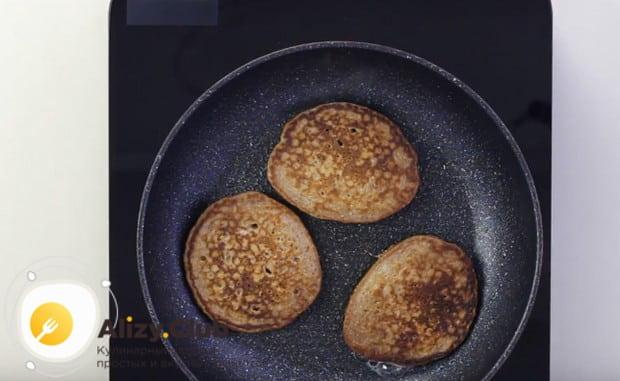 Готовое блюдо получается румяным и ароматным.