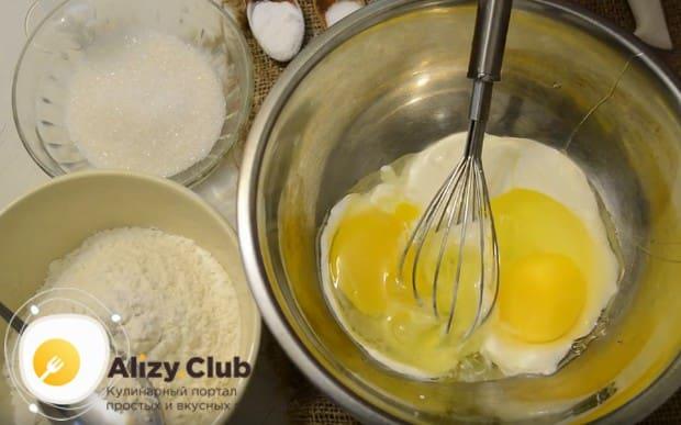 Приготовим пышные оладьи на сметане по простому рецепту с фото.