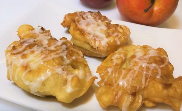 Пошаговый рецепт приготовления оладий с яблоками с фото