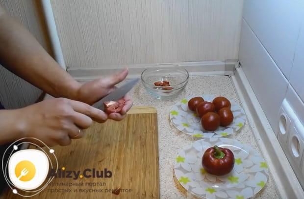 А этот рецепт с фото поможет пошагово приготовит домашнюю пастилу из помидоров.